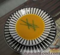 Фото к рецепту: Крем-суп на скорую руку из того, что под нее попало :)))