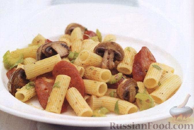 Рецепт Макароны с копченой колбасой и грибами