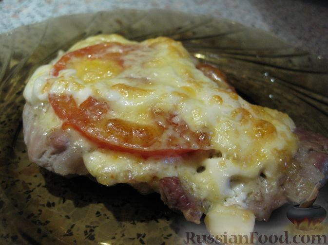 Рецепт Свинина, запеченная под сыром с помидорами