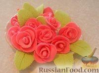 Фото к рецепту: Розы из сахарной мастики