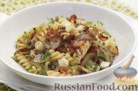 Фото к рецепту: Макароны с грибами, сыром и беконом