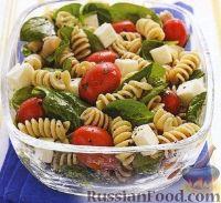 Фото к рецепту: Салат из макарон с итальянской заправкой