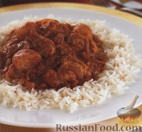 Фото к рецепту: Куриное филе, тушенное в томатном соусе