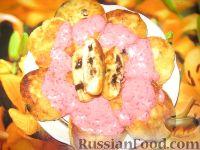 Фото к рецепту: Сырники с шоколадом и ягодным соусом