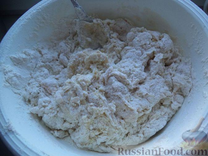 Фото приготовления рецепта: Постные вареники с вишнями - шаг №2