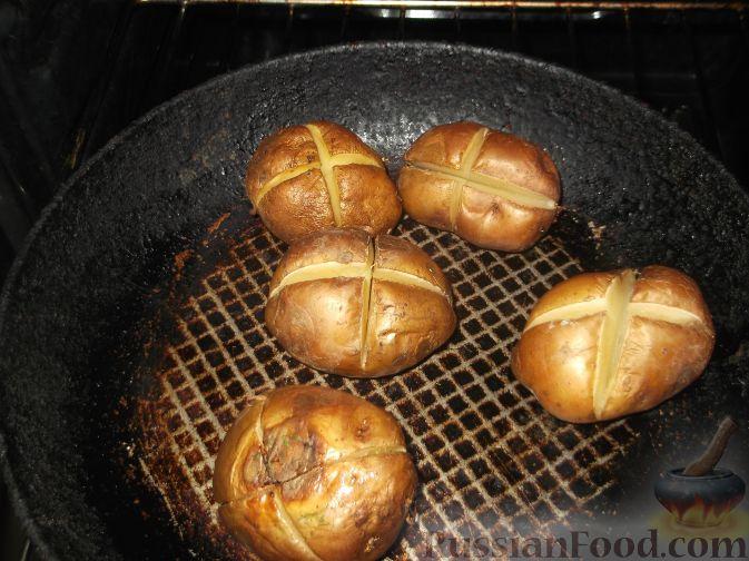 Как запечь картофель в кожуре в духовке целиком
