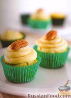 Фото к рецепту: Маффины с грушей и орехами
