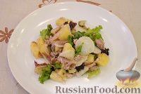 Фото к рецепту: Картофельный салат с курицей и редиской