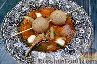 Фото к рецепту: Суп с бараниной и булгуром, с маскарпоне и булочками