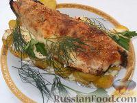 Фото к рецепту: Скумбрия, запеченная с молодым картофелем