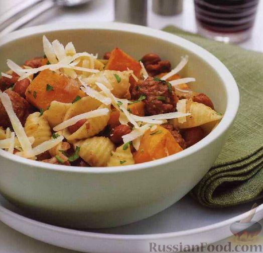 Фото приготовления рецепта: Салат с крабовыми палочками, ананасами, маслинами и кукурузой - шаг №7