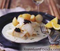Фото к рецепту: Рыбные рулетики в сливочном соусе