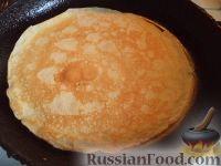 Фото приготовления рецепта: Простой рецепт блинов - шаг №13