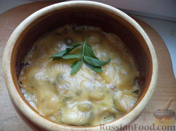 Фото приготовления рецепта: Картофельный крем-суп с курицей и макаронами - шаг №14