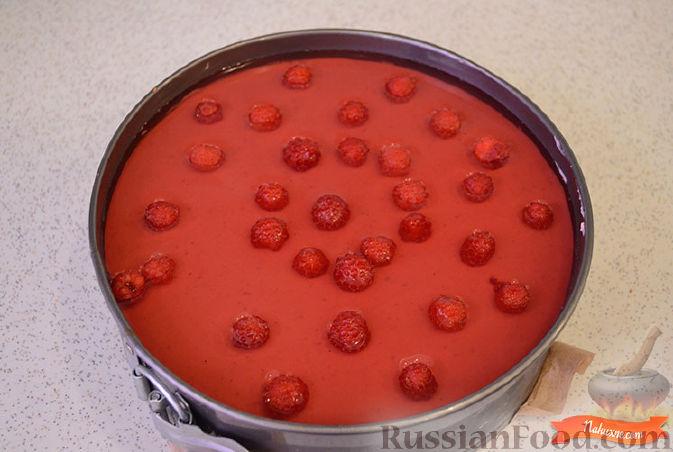 Фото приготовления рецепта: Куриный рулет с макаронами - шаг №8