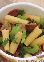 Фото к рецепту: Паста с грибами и колбасками чоризо