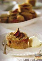Фото к рецепту: Ореховые маффины со сливами