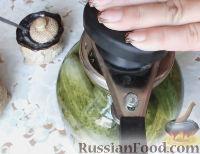 Фото приготовления рецепта: Консервированные огурчики на зиму - шаг №14