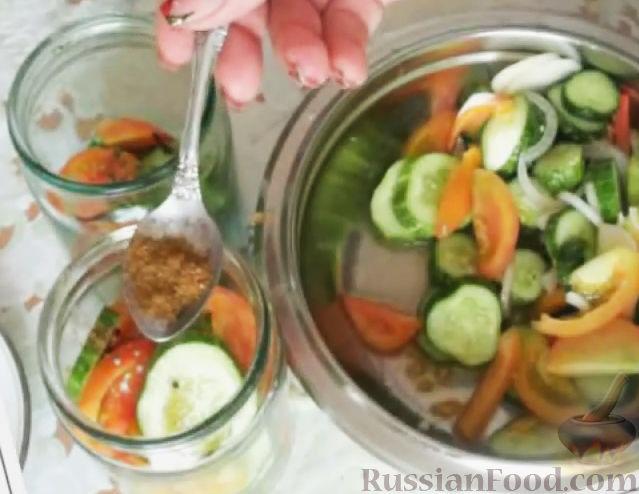 рецепты салатов из огурцов и помидоров на зиму видео