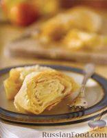 Фото к рецепту: Штрудель с яблоками и ананасом