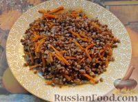 Фото к рецепту: Гречка (или рис) с морковно-луковой поджаркой
