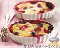 Фото к рецепту: Ягоды, запеченные в пудинге