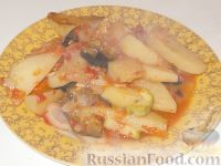 Фото к рецепту: Картофель, тушеный с баклажанами и кабачками