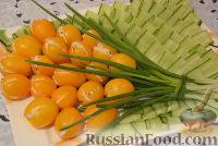 """Фото к рецепту: Салат """"Желтые тюльпаны"""""""
