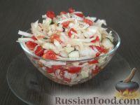 Фото к рецепту: Салат из белокочанной капусты, огурцов и помидоров