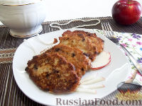 Фото к рецепту: Яблочные оладьи с шоколадом