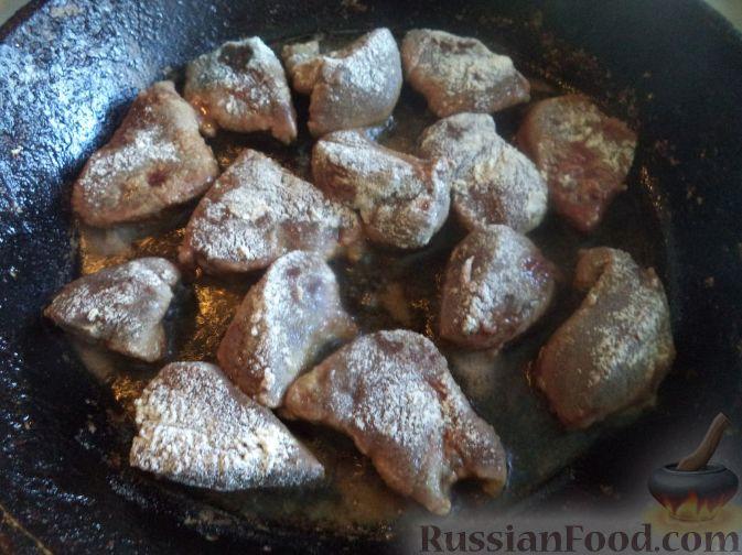 Фото приготовления рецепта: Картошка, запечённая с тыквой, в кефире - шаг №7