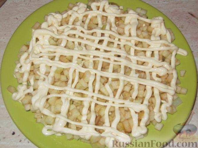 Пирог с яблоками и майонезом сверху