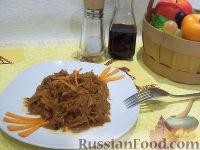 Фото к рецепту: Тушеная капуста с яблоками