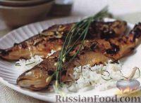 Фото к рецепту: Форель, запеченная под пряным соусом