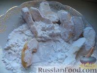 Фото приготовления рецепта: Яблочные дольки в карамели - шаг №4