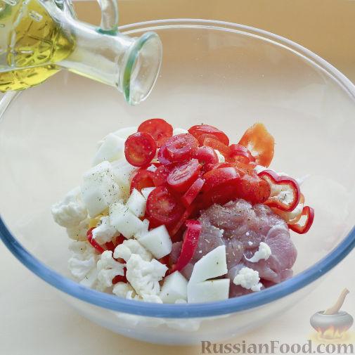 Фото приготовления рецепта: Овощное рагу с мясом в тыкве-кувшинчике - шаг №3