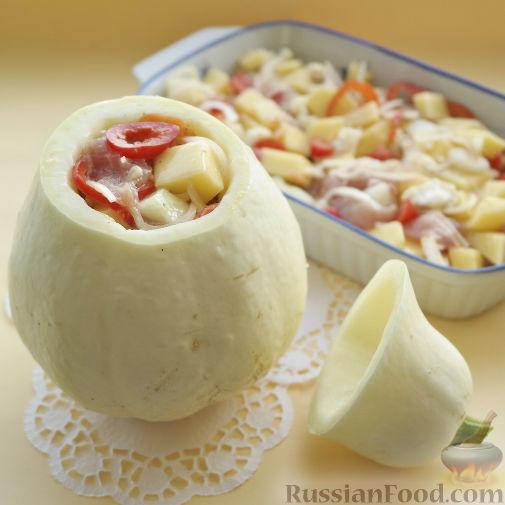 Фото приготовления рецепта: Овощное рагу с мясом в тыкве-кувшинчике - шаг №5