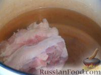 Фото приготовления рецепта: Щи с квашеной капустой и курицей - шаг №2