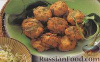 Фото к рецепту: Рыбные котлеты с огуречным салатом
