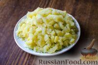 Фото приготовления рецепта: Салат с сухариками - шаг №3