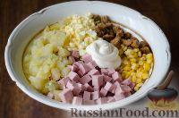 Фото приготовления рецепта: Салат с сухариками - шаг №5