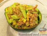 Фото к рецепту: Салат с тунцом и авокадо