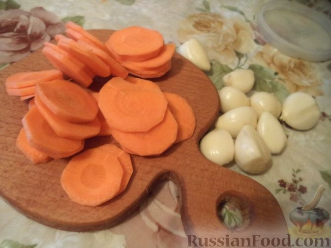 """Фото приготовления рецепта: Пикантный суп с курицей """"А-ля харчо"""" - шаг №2"""