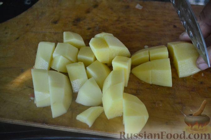 Фото приготовления рецепта: Халасле - венгерский рыбный суп - шаг №3