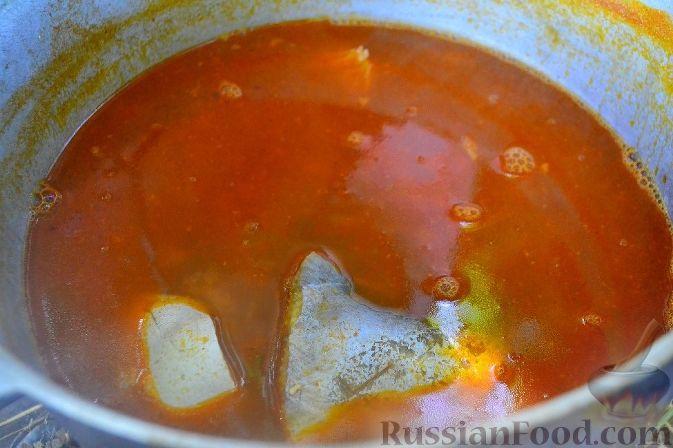 Фото приготовления рецепта: Халасле - венгерский рыбный суп - шаг №11