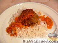 Фото к рецепту: Тефтели тушёные с морковью