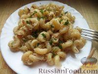 Фото к рецепту: Макароны по-флотски с курицей и сыром