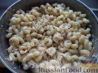 Фото приготовления рецепта: Макароны по-флотски с курицей и сыром - шаг №10