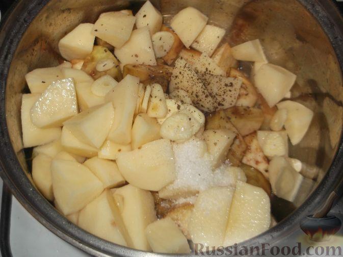 Фото приготовления рецепта: Котлетки из овсяных хлопьев - шаг №2
