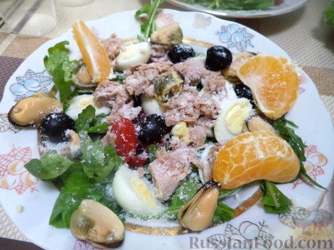 салат с тунцом листья салата рецепт